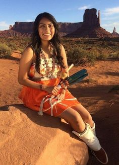 """The beautiful Ivana Holiday 'Class of wearing """"Traditional Authentic Native Designs by Irene Begay, Navajo"""" Native American Models, Native American Beauty, Native American History, American Indian Girl, American Indians, Native Girls, Indian People, Le Far West, Native Indian"""