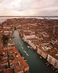 Drone Photography  There are 177 canals in Venice  Credit: @danorst (Instagram)  #venice #canals #dronesdaily #dronephoto #aerialphoto #aerialphotography  #pylot #drones #aerial #thedronetravel #dronephotography #droneoftheday #dronestagram #dronefly #dro