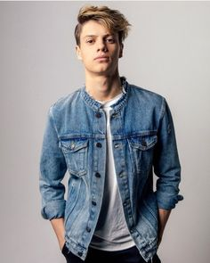 Jace Norman as his character Henry from Henry Danger. Jason Norman, Norman Love, Henry Danger Jace Norman, Cute White Guys, Cute Guys, Hot Actors, Actors & Actresses, Beautiful Boys, Pretty Boys