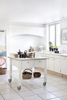 Pift dit køkken op med lyse farver | Mad & Bolig