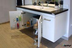 Salle de bains adaptée pour personne handicapée, pmr, senior