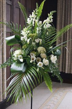 Best Beautiful Flowers Arrangement Ideas For Your Wedding - Life Hack Easter Flower Arrangements, Modern Floral Arrangements, Funeral Flower Arrangements, Beautiful Flower Arrangements, Beautiful Flowers, Altar Flowers, Church Flowers, Funeral Flowers, Wedding Flowers