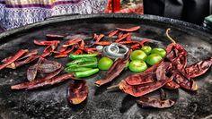 Cualquier mexicano sabe que esto es elpreámbulode una picosa salsa  Abril del 2012