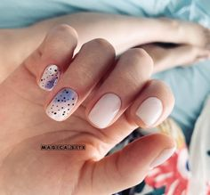 Nails Now, Love Nails, Pretty Nails, Subtle Nails, Shellac Manicure, Modern Nails, Polka Dot Nails, Minimalist Nails, Fabulous Nails