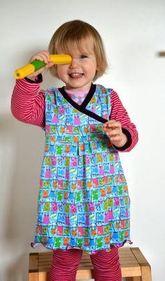 Heute möchte ich Euch in meiner kleinen Reihe zeigen, wie ihr aus dem Trotzkopf-Schnitt eine Tunika machen könnt.     Ihr braucht ein Din ...