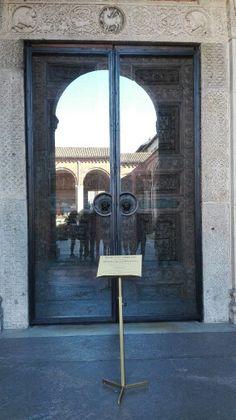 Uscita  Milano/Romana  Basilica di Sant'Ambrogio, Porta santa.
