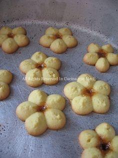 Biscotti Cookies, Italian Cookies, Cannoli, Mini Desserts, Natural Medicine, Yummy Cakes, Italian Recipes, Tea Time, Biscuits