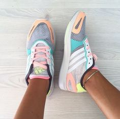 Adidas Stella McCartney Pastel Sneakers Worn only a few times. Breathable mesh upper, really unique! Adidas by Stella McCartney Shoes Sneakers Adidas Originals Sneaker, Adidas Sneakers, Shoes Sneakers, Sneakers Women, Best Adidas Shoes, Adidas Superstar, Stella Mccartney Adidas, Crazy Shoes, Me Too Shoes
