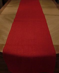 """Our beautiful�red burlap fabric table runner��sold as a 14"""" x 72"""" premium, santized, 11oz� serged on all sides. Consider decorating your burlap with our beautiful selection of lace ribbon,,,,"""