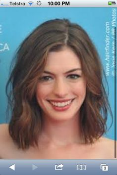 She knows how to do it well #anne Hathaway #hair #short #wavy #understatement