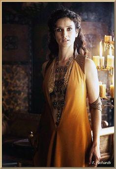Ellaria Sand (Indira Varma)