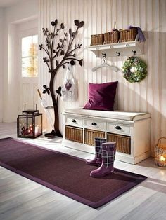 hall-d-entree-maison-deco-prune. Hallway Decorating, Entryway Decor, Flur Design, Kilim Cushions, Home Interior Design, Home Projects, Home Accessories, Home Furniture, Living Room Decor