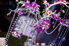 This is a gorgeous idea for a wedding with purple... I wish I can use it on the beach.