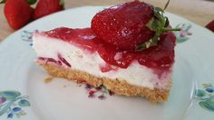 """This really is the best low carb and keto cheesecake. Even my non-keto family proclaimed """"This is the best cheesecake I have ever had! Best Cheesecake, Low Carb Cheesecake, Pumpkin Cheesecake, Cheesecake Recipes, Dessert Recipes, Strawberry Squares Recipe, Romanian Desserts, Keto Chocolate Cake, Sweet Tarts"""