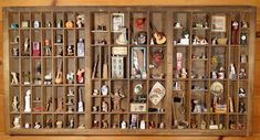 This is one of Ann Maselli's Type Trays full of neat miniatures. She has several of these with lots of cool stuff in them. Type Tray full of Miniatures Printers Drawer, Shadow Box Art, Printer Types, Tiny Treasures, Displaying Collections, Altar, Altered Art, Letterpress, Dollhouse Miniatures