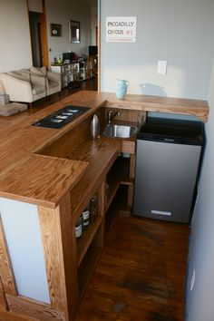 Turning Your Basement into the Ultimate Man Cave Can Be Fun - Man Cave Home Bar Home Bar Plans, Basement Bar Plans, Basement Bar Designs, Home Bar Designs, Basement Renovations, Small Basement Bars, Basement Ideas, Basement Stair, Basement House