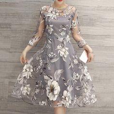 58da5648f683 Elegantné vintage midi šaty s kvetinovým vzorom a 3 4 rukávmi dámske o –  Amoi