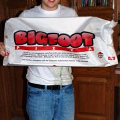 Pizza Hut should bring back the Bigfoot pizza. Just sayin ; A Moment To Remember, Love The 90s, Great Place To Work, Back In My Day, Jazz Band, 90s Nostalgia, Pizza Hut, When I Grow Up, Pizza