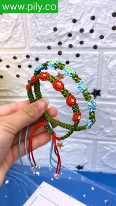 Diy Crafts Hacks, Diy Crafts Jewelry, Diy Crafts For Gifts, Bracelet Crafts, Flower Bracelet, Diy Bracelets Patterns, Diy Bracelets Easy, Hemp Bracelets, Handmade Bracelets
