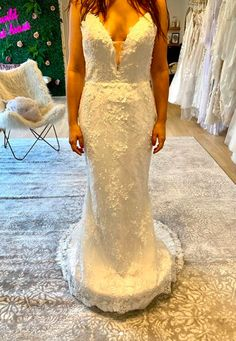 Wild Blooms Bridal believes your wedding dress should be a reflection of your personal style. For the bride who loved freedom, style, simplicity and wants to be her truest self on her special day!