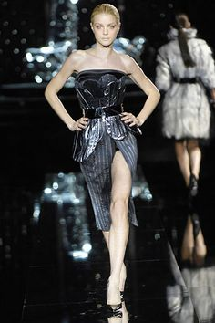 Dolce & Gabbana Fall 2007 Ready-to-Wear - Collection - Gallery - Style.com