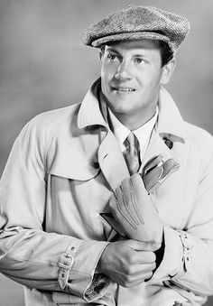 """farleysgranger: """" Joel McCrea photographed by Clarence Sinclair Bull, 1929 """" Hollywood Actor, Golden Age Of Hollywood, Vintage Hollywood, Hollywood Stars, Classic Hollywood, Classic Movie Stars, Classic Films, Actors Male, Actors & Actresses"""