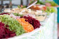 Mesa do almoço ♥ contratei um buffet muito bom ! ele atende Santos e Peruibe - Tchabaia (13) 9704.5900
