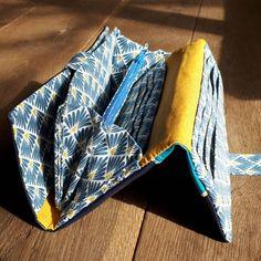 Compagnon Complice bleu et jaune cousu par Aline - Patron Sacôtin