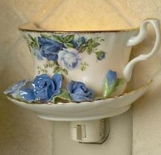 Royal Albert China - Special Collections - Moonlight Rose Gifts