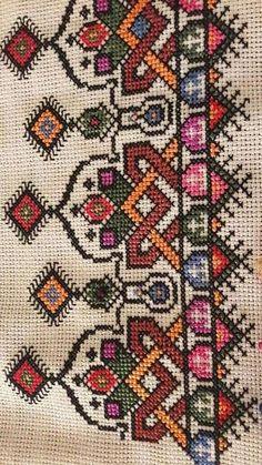 Berra Naz Yağcı's media content and analytics Embroidery Art, Embroidery Stitches, Embroidery Designs, Cross Stitch Designs, Cross Stitch Patterns, Palestinian Embroidery, Crochet Lace Edging, Cross Stitch Boards, Bargello