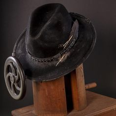 Strike gold with this rugged new style from American Hat Makers. Each piece is distressed by hand for a totally unique look and feel. A vintage fossil leather brim combined with a durable wool felt crown makes this hat not only a stunner in looks, but also a headpiece to last a lifetime. #hats #fedorahats Felt Crown, Outdoor Hats, Turkey Feathers, Red Carpet Event, Cool Hats, Fedora Hat, Hat Making, Stylish Men, Hats For Men