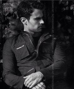 ☁️ #theo #james #theojames #four #tris #fourtris #tobiaseaton #beatriceprior #tobiasandtris #divergent #insurgent #allegiant #dauntless #theojameslover #perfect #perfection #boy #guy #man #handsome #hot #sexy #cute