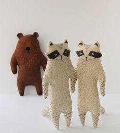 Woodland tale raccoons & bear softies http://knuffelsalacarteblog.blogspot.nl/