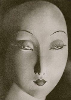 Doll Face, Paris, c.1938 (Erwin Blumenfeld).