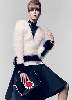 """""""Material Girls """" : Karlie Kloss & Edie Campbell : US Vogue January 2013 : Craig McDean Vogue Editorial, Editorial Fashion, Fashion Poses, Fur Fashion, White Fashion, Fashion Editorials, Edie Campbell, Craig Mcdean, Dna Model"""