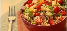 těstovinový salát se šunkou a zeleninou
