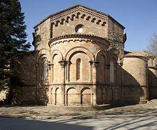 El monestir, va ser fundat cap al 885 pel comte Guifré el Pilós i destinat a la seva filla Emma. Guifré havia fet una cosa similar uns anys abans al fundar el Monestir de Santa Maria de Ripoll que va deixar en mans del seu fill Radulf.