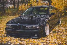 BMW E39 series black slammed fall