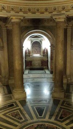 Basilica dei S.S. Apostoli - Roma Reliquie di Filippo e Giacomo minore