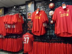 Manchester United - Liverpool FC Liverpool Fc, Manchester United, Traveling, The Unit, Fashion, Viajes, Moda, Fashion Styles