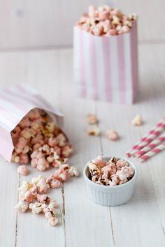 Pink caramel popcorn//