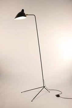 """""""Lámpara Droit"""". Diseño: Serge Mouillea. http://www.sergemouilleusa.com/"""