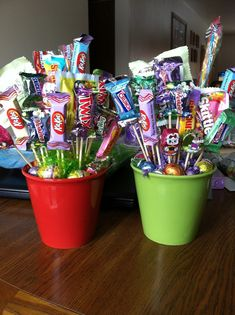 60 Adorable DIY Valentine's Day Gift Baskets For Him That He'll Love a Lot – Hike n Dip - Geschenke Diy Valentine's Gift Baskets, Candy Gift Baskets, Valentine Gift Baskets, Valentine's Day Gift Baskets, Bouquet Cadeau, Candy Bouquet Diy, Diy Valentines Day Gifts For Him, Valentines Diy, Easter Gifts For Kids