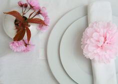Hochzeitsdeko - Farbe auf den Tisch ~ 4 PomPom-Serviettenhalter - ein Designerstück von PomPom-Manufaktur bei DaWanda