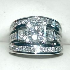 2 carat diamond wedding set in platinum.