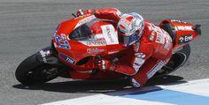 Image from http://media.lehighvalleylive.com/corky-blake_impact/photo/motorcycle-racer-89216e5cb4409c24.jpg.