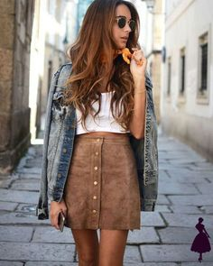 Mini skirts are fun outfit that never goes out of style. They come in many different styles. And plus, it can be added to many different types of outfits. Keep reading to find out more about mini skirts. Fashion Moda, Look Fashion, Skirt Fashion, Teen Fashion, Womens Fashion, Fashion Clothes, Fashion Outfits, Feminine Fashion, Latest Fashion