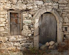 Kouses bei Sivas. Verlassene Häuser bergen reizvolle Motive.