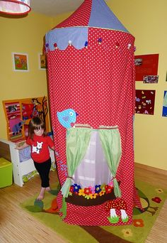 Make your little girl an AWESOME play tent with Designs by Kasia.