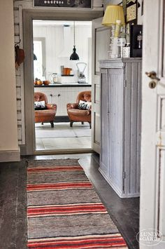 runner rug for upstairs hallway Decor, Scandinavian Home, House Inspiration, Sweet Home, Rugs, Cottage Interiors, Interior, Interior Design Styles, Home Decor